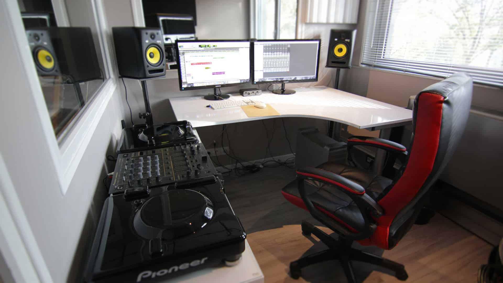 Cabine de mixage - studio enregistrement - Jingle For You